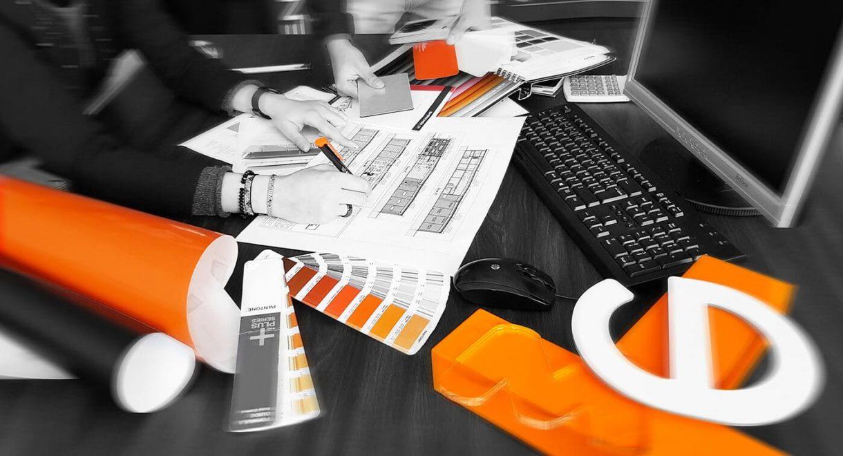 ENSEIGNES 01 vous accompagne dans tous vos projets, de la conception à la réalisation.